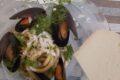 Pici con cozze, fave e pecorino di Pienza