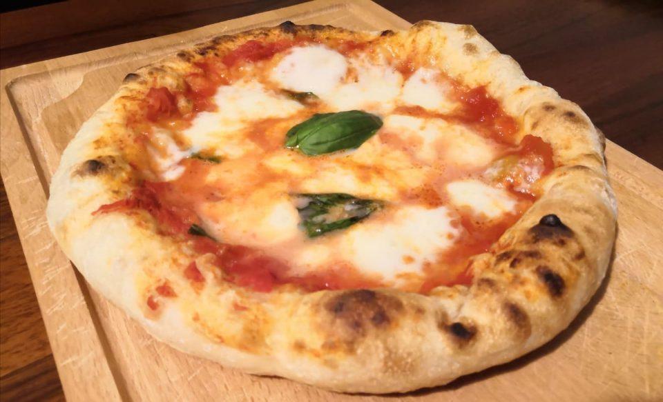 Ricetta Pizza In Padella.Pizza Napoletana Cotta In Padella E Grill In Cucina Con Chiara