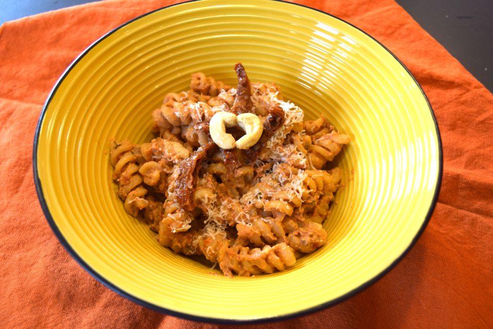 pasta pomodori secchi e anacardi