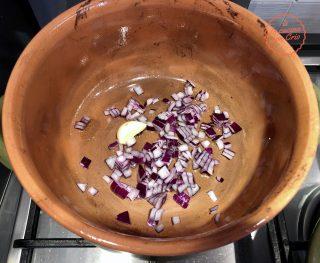 aglio cipolla pentola