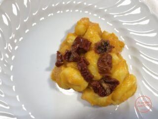 Gnocchi-crema-zucca-e-pomodori-secchi