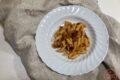 Pasta pomodoro stracchino e speck