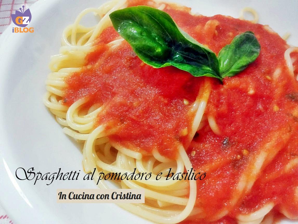 La cucina italiana spaghetti al pomodoro e basilico in for Sito cucina italiana