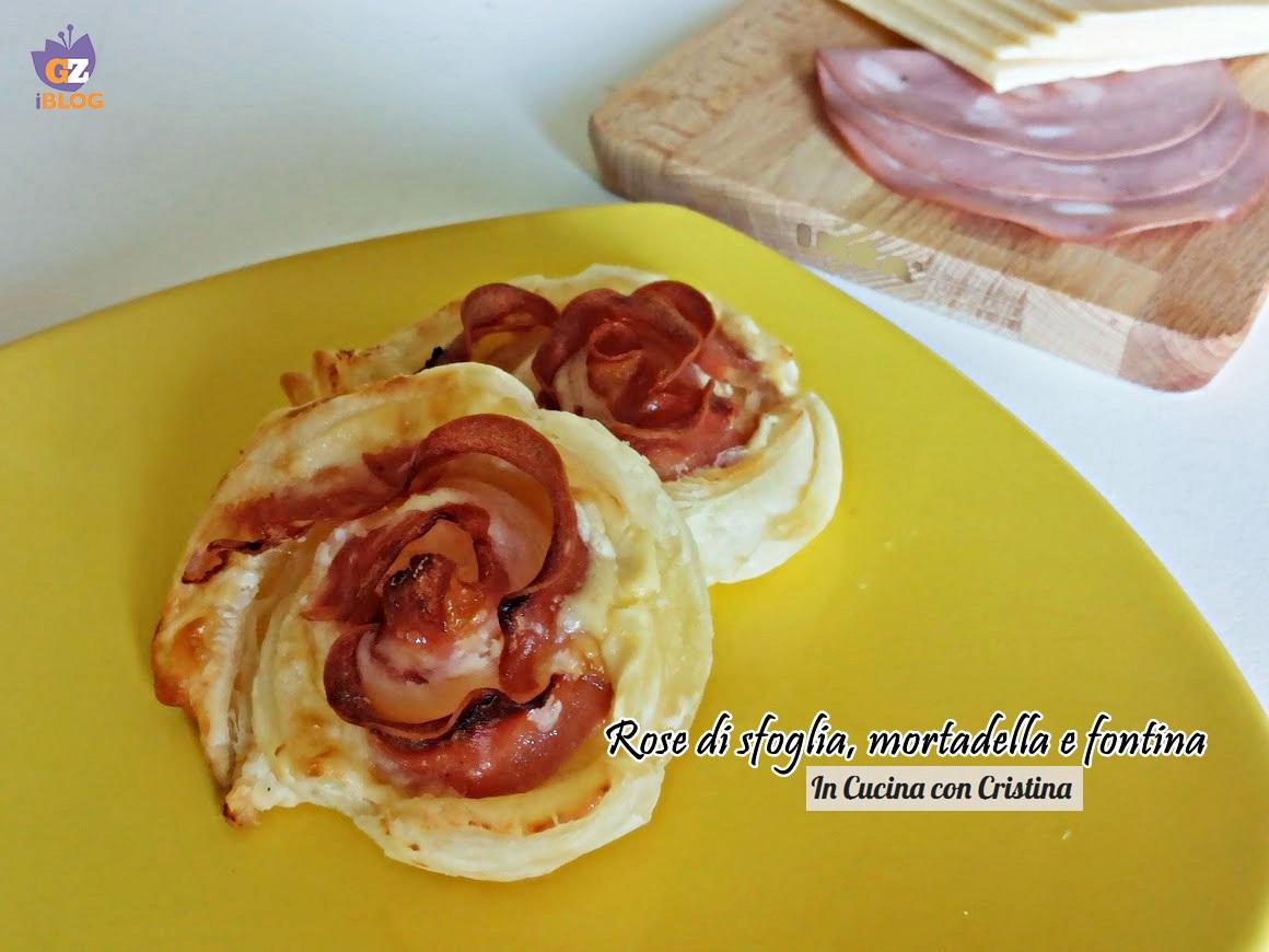 Antipasti con pasta sfoglia: Rose di mortadella e fontina