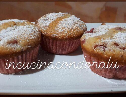 Muffin alle fragole e cannella
