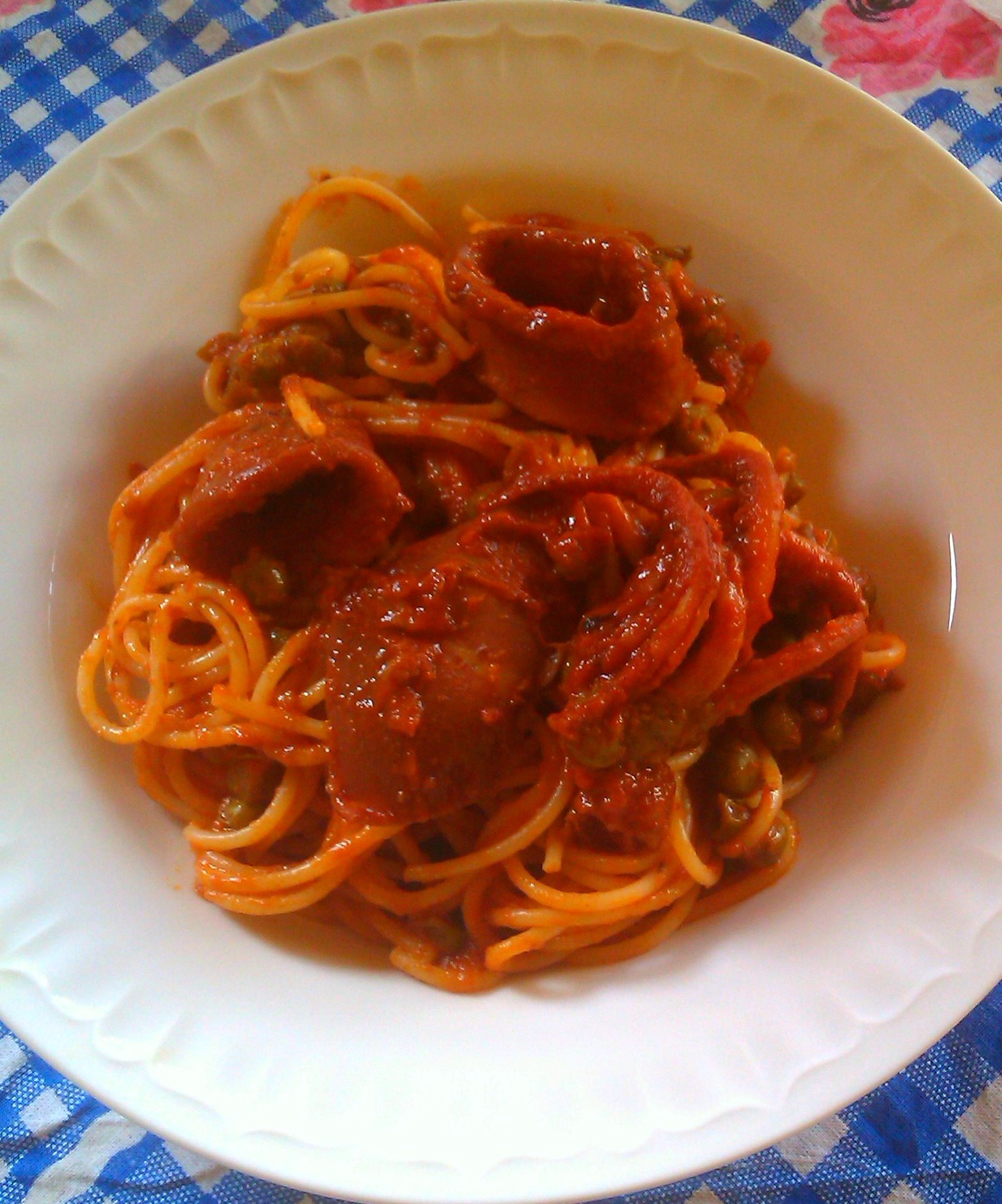 spaghetti col sugo di totani1