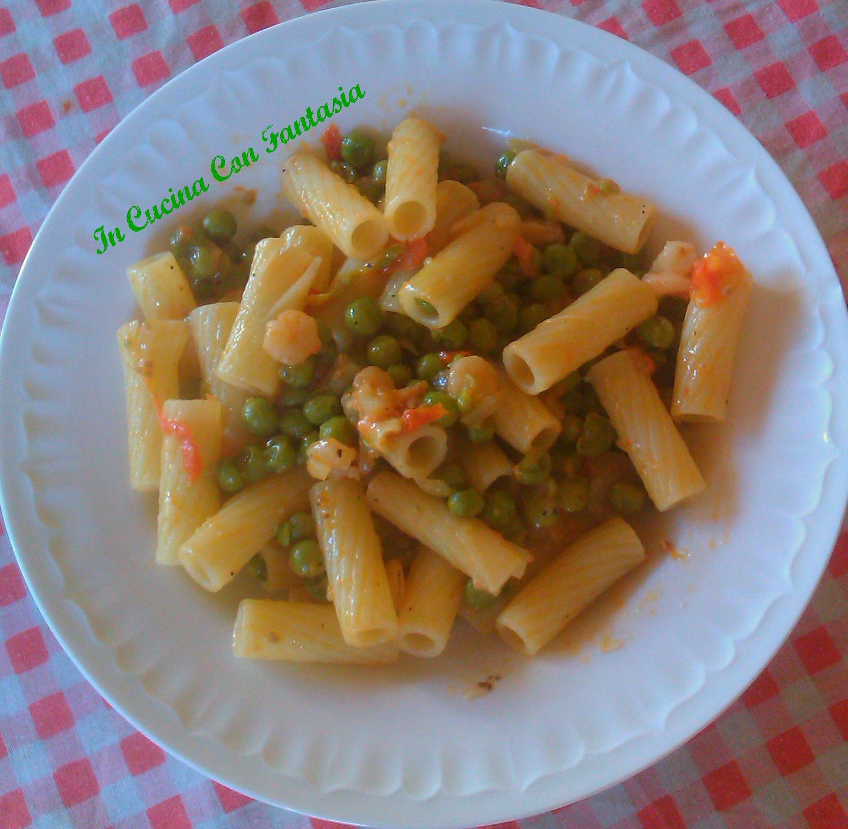Maccheroni con piselli,gamberetti e pomodorini 1