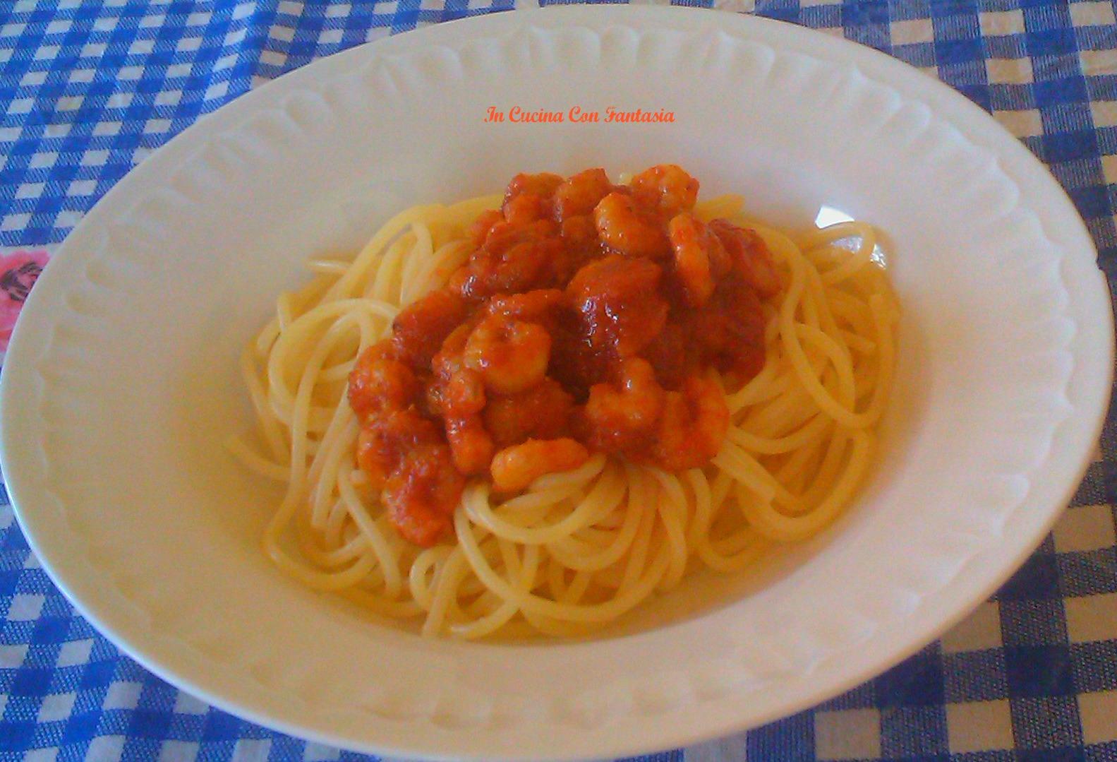 spaghetti con gamberi in salsa 1