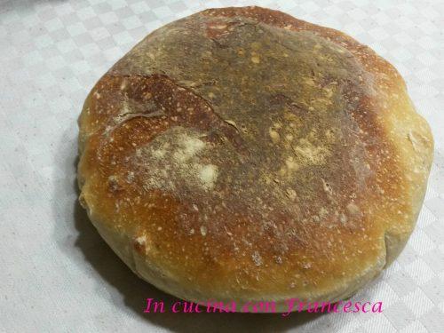 Pane croccante con lievito madre.