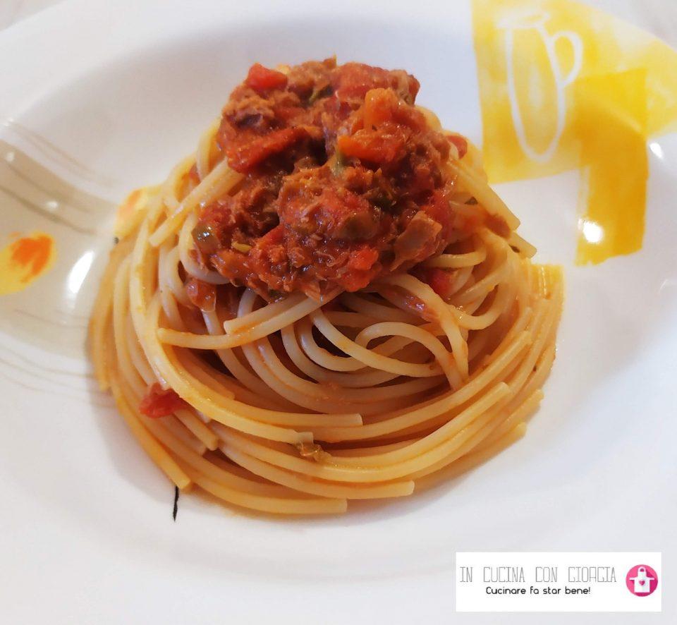 Spaghetti al sugo piccante di tonno