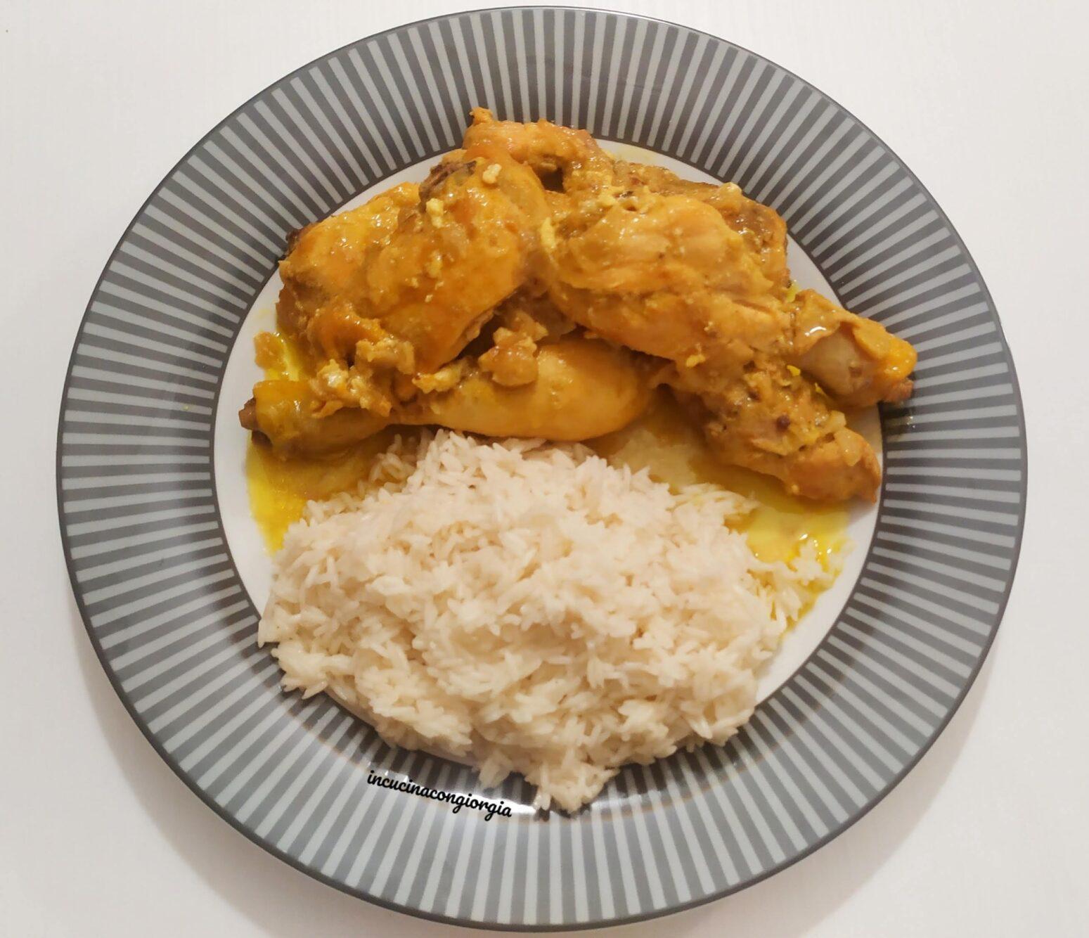 Pollo al curry con riso