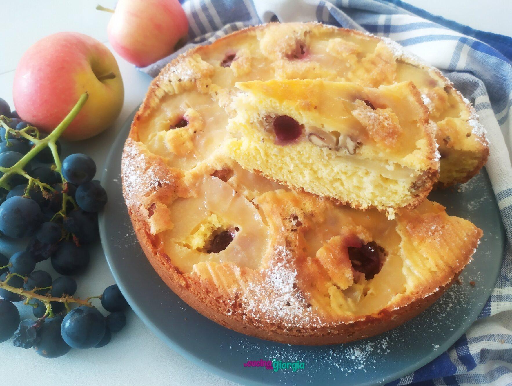 Torta rovesciata mele e uva