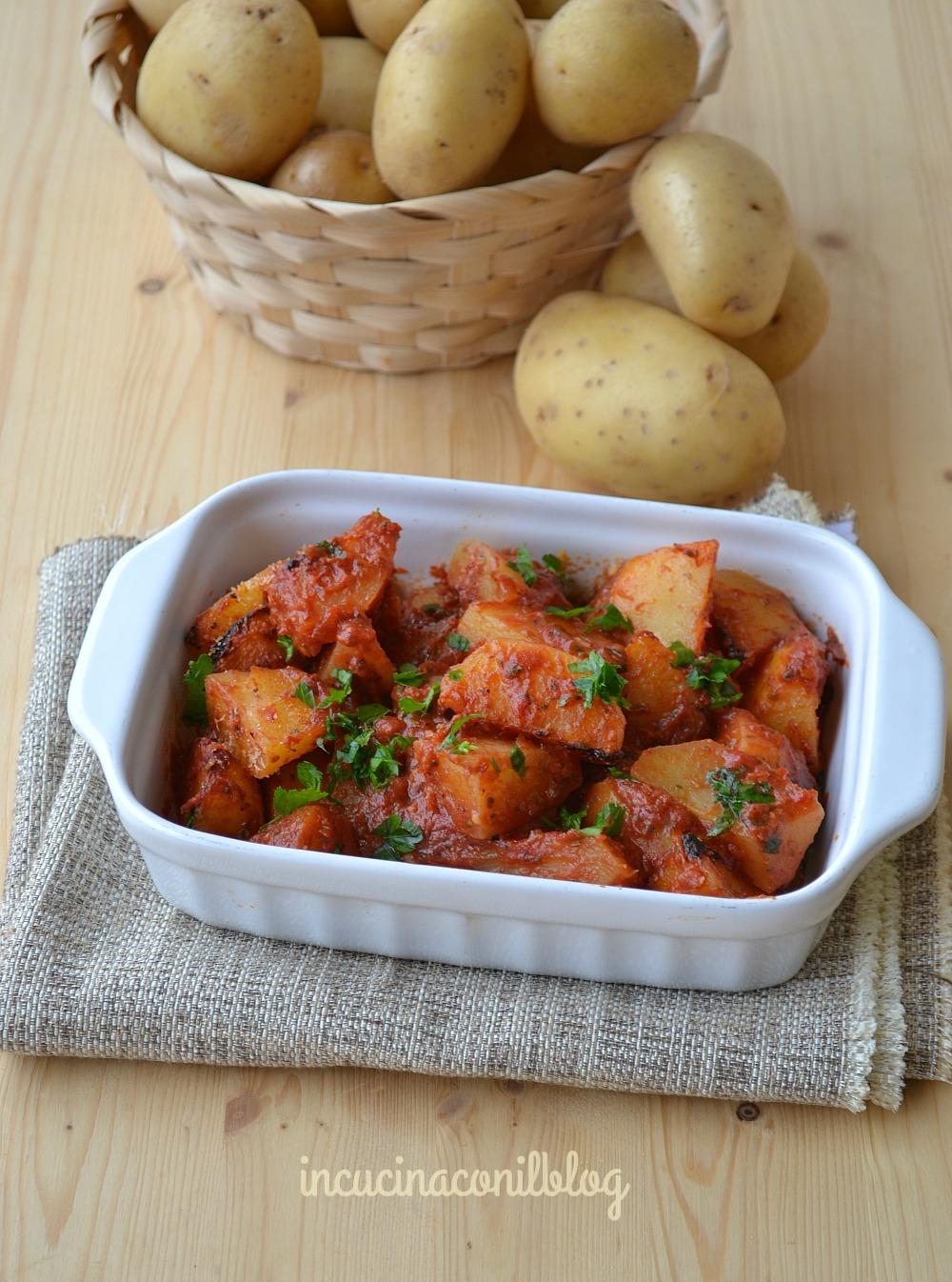 patate-al-forno-con-pomodoro-e-origano