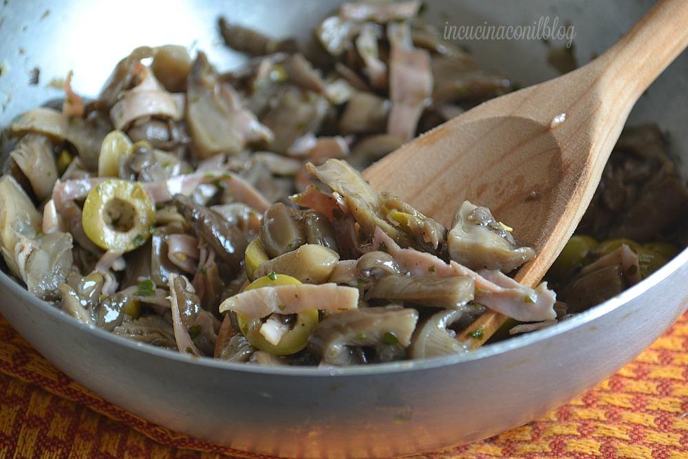 condipasta funghi e olive