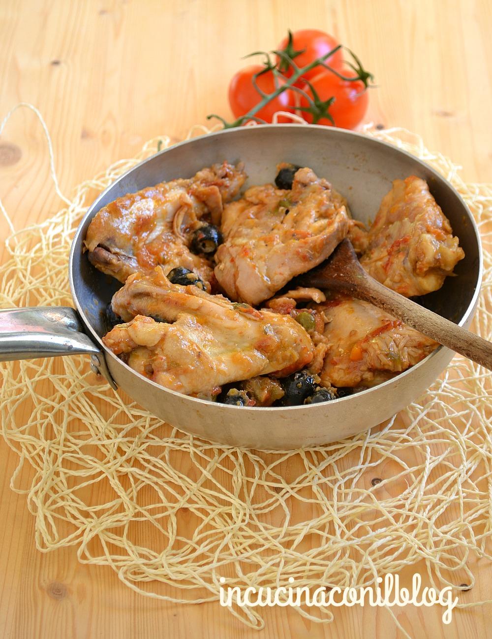 pollo-con-olive-capperi-e-pomodoro