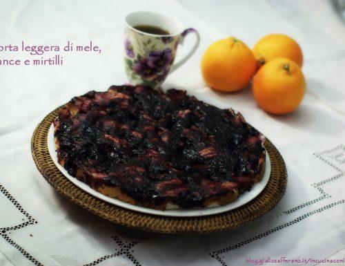 Torta leggera di mele, arance e mirtilli, ricetta senza burro e uova