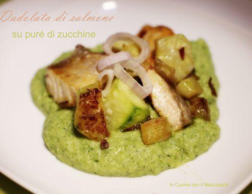 Dadolata di salmone su puré di zucchine tiepido