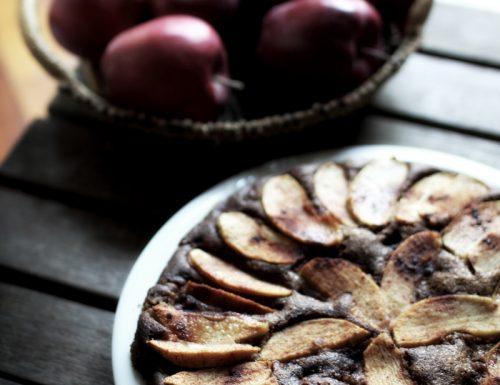 Torta di mele della Valtellina e grano saraceno (senza glutine) e…un anno di blog