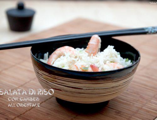 Insalata di riso e gamberi all'orientale