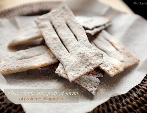 Chiacchiere integrali al forno al profumo d'arancia (vegan)