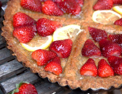Crostata di kamut con fragole e limone (vegan)