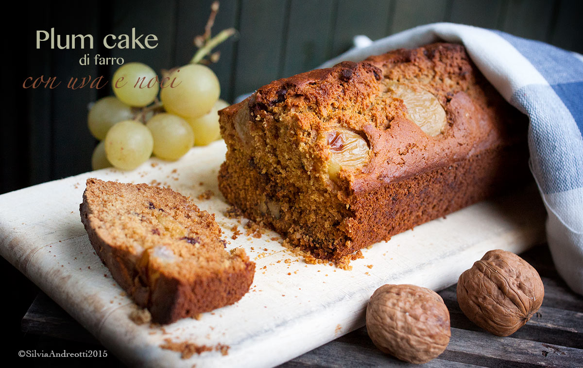 Plum cake di farro con uva e  noci, senza burro né uova