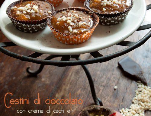 Cestini di cioccolato con crema di cachi e granella di mandorle #sugarfree
