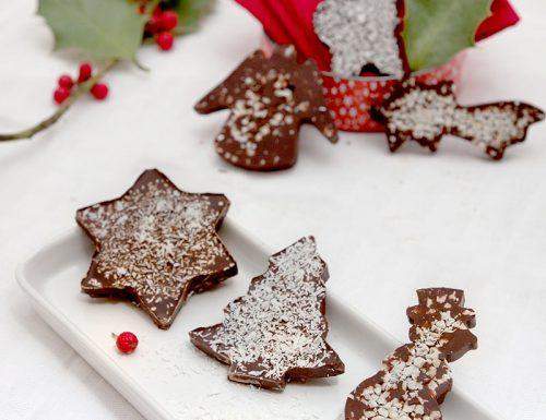 Mendiant di Natale con nocciole e cocco