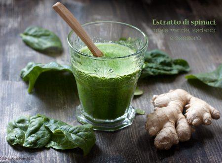 Estratto di spinaci e mela verde con sedano e zenzero