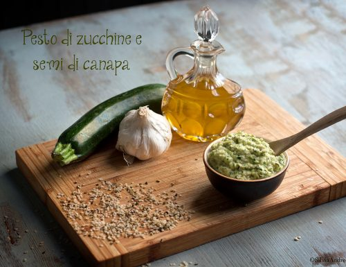 Pesto di zucchine e semi di canapa, ricetta vegan senza derivati del latte