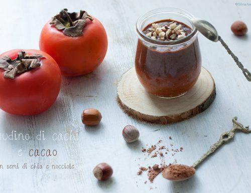 Budini di cachi e cacao con nocciole e semi di chia, #vegan #raw #sugarfree