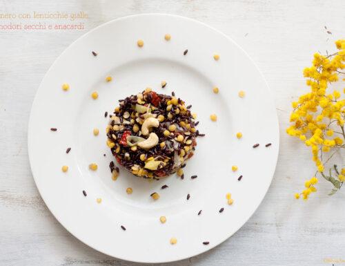 Riso nero al limone con lenticchie gialle, pomodori secchi e anacardi, #gluten-free #vegan