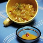 Chutney di pesche e zucchine con curcuma e rosmarino