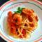 Spaghetti con sugo di totani e gamberi