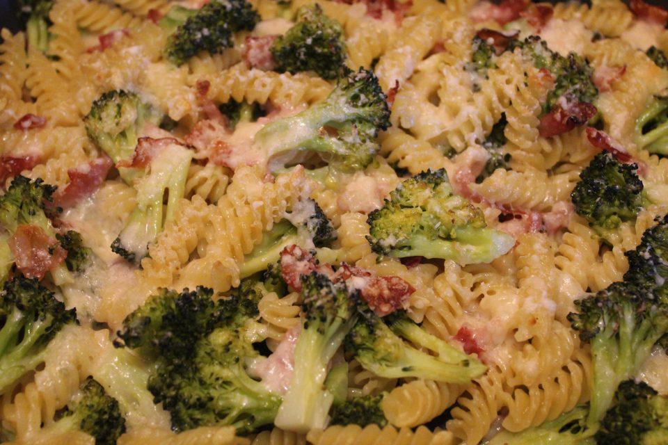 pasta al forno broccoli e speck
