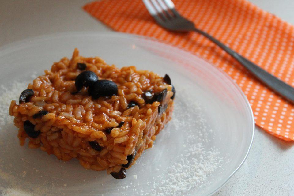 risotto al pomodoro con olive nere