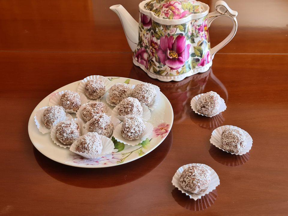 palline di cacao con cocco ricotta e rhum