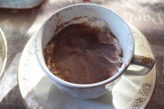 strato di cacao sul tiramisù