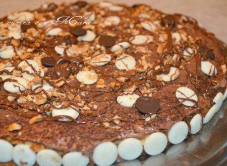 Torta di biscotti con panna e nutella