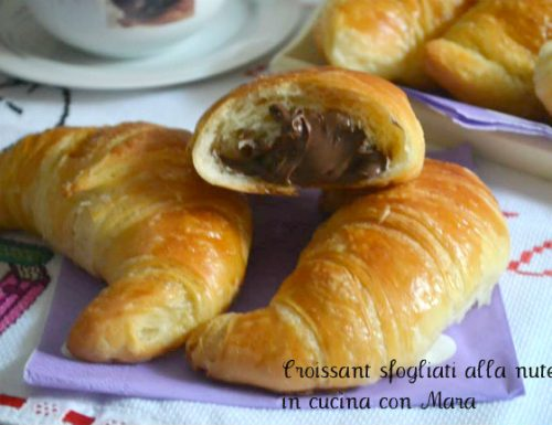 Croissant sfogliati alla nutella con lievito madre