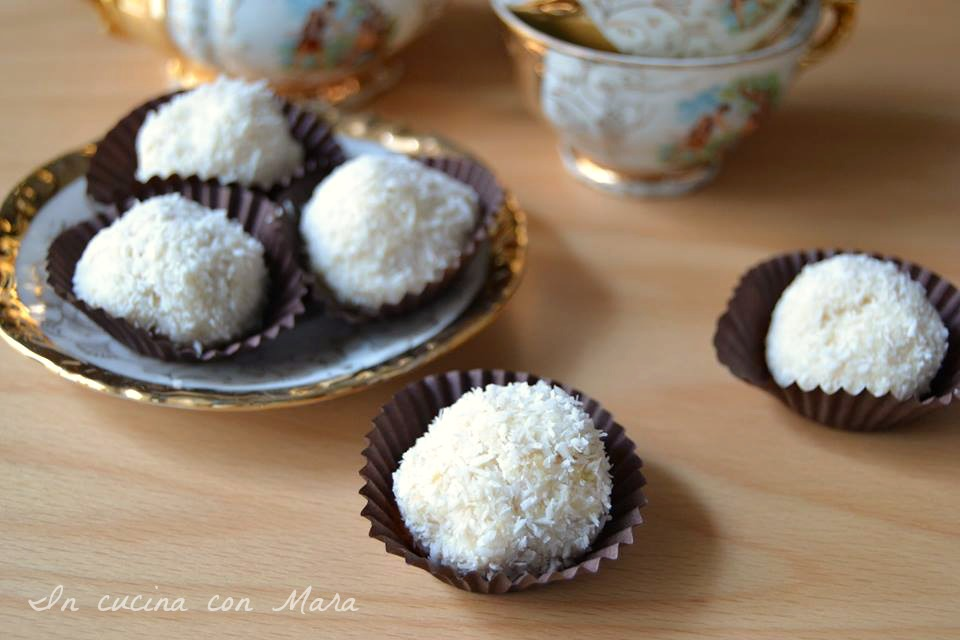 tartufi di ricotta e pavesini al cocco