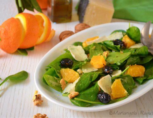 Insalata di spinaci arance e pecorino