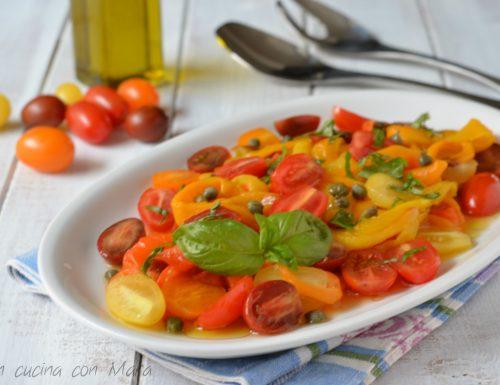 Insalata di peperoni e fantasia di pomodorini