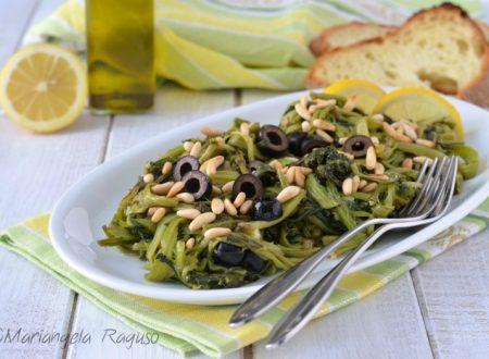 Bietole ripassate con olive e pinoli