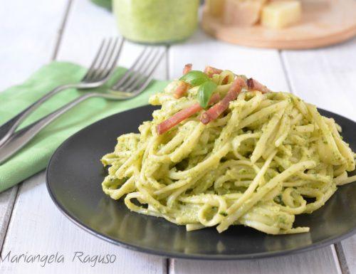 Linguine con crema di zucchine e speck