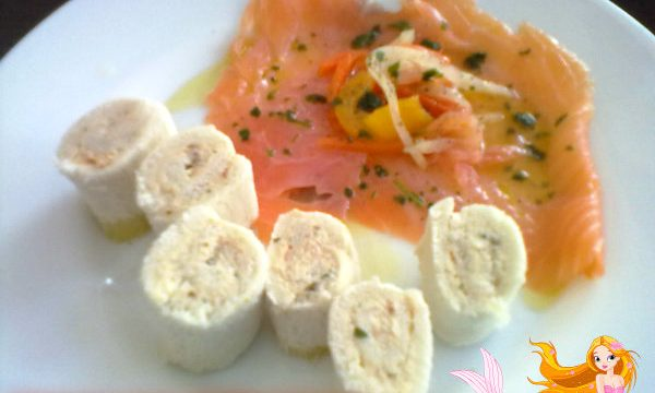 SALMONE CON ROTOLINI DI TONNO, ricetta finger-food