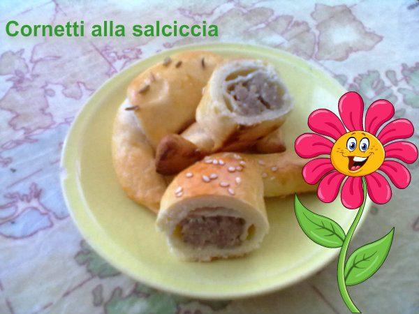 CORNETTI ALLA SALSICCIA, ricetta finger-food