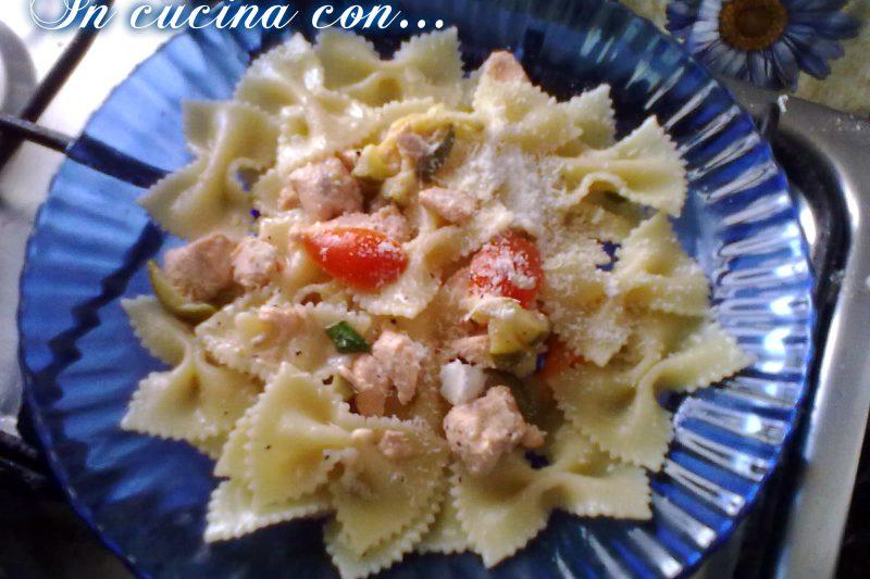 Pasta con salmone e zucchine, ricetta di mare