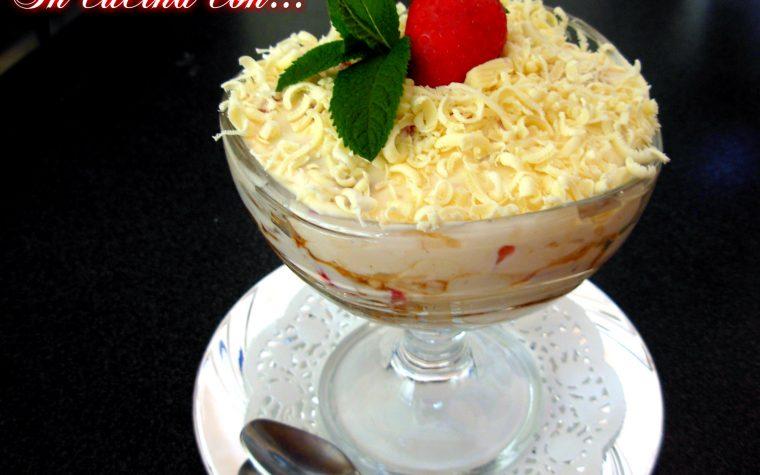 Tiramisu alle fragole e cioccolato bianco