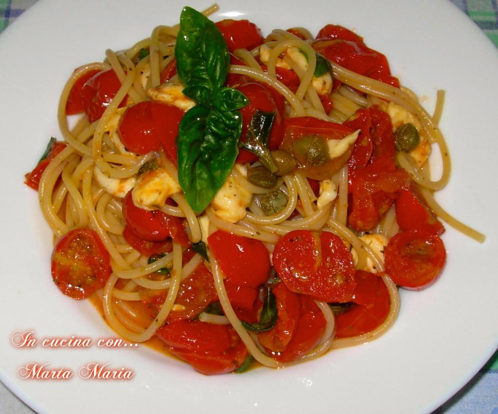 spaghetti con pomodorini al forno